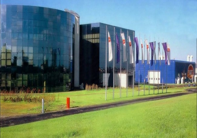 Завод Bugatti Automobili S.p.A. в Кампогалльяно, 1992 год