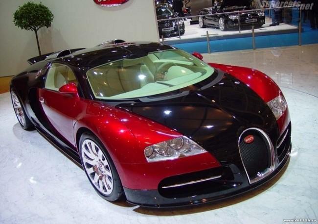 Первый серийный Bugatti 16.4 Veyron, 2005 год