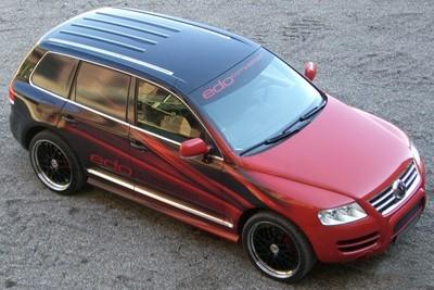 Непохожие близнецы Volkswagen Touareg и Porsche 911 Turbo