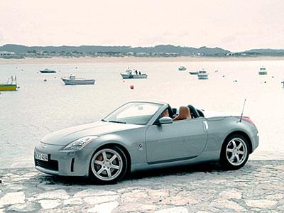 """Передний бампер """"350Z"""" пришлось переделать под европейские требования."""