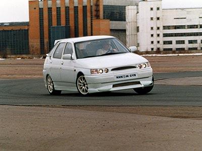 По устойчивости в поворотах автомобиль превосходит многие иномарки.