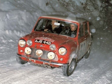 Mini Cooper S на ралли Монте-Карло 1965 года. Экипаж Мякинен-Истер