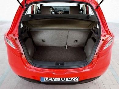 Объём багажника увеличивается с 250 до 787 литров
