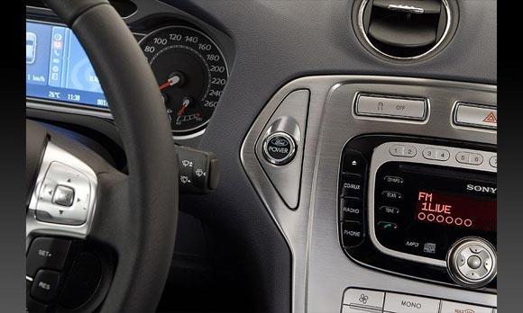 Тест-драйв Ford Mondeo Sedan
