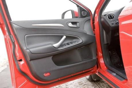 Штатные фронтальные динамики Ford Mondeo IV поколения (с 2007 г.)