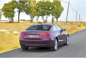 Основные очертания кузова, которые снискали A5 славу одного из самых красивых купе, остались неизменными.