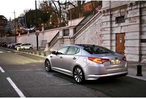 Особенно ярко автомобиль выглядит ночью благодаря эффектным задним фонарям со светодиодами.