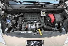 Мотор в 90 л. с., придающий машине лучшую динамику и большую максимальную скорость, наделен теми же показателями экономичности, что и 75-сильный.