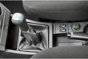Кулиса переключения передач  один из самых неудачных узлов Lada. Но уже в этом году модель будут оснащать новым механизмом с тросовым приводом.