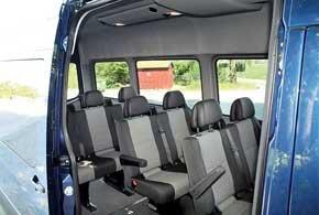 Салон автобуса, в зависимости от выбранной версии, может вмещать до 19 пассажиров.