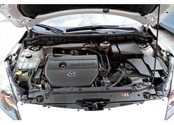2,0-литровый мотор оснащен катализатором, в котором используется вещество, полученное с помощью нанотехнологии. Установлена новая система забора воздуха.