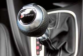 А1 с S-tronic  по умолчанию с системой помощи старта под горку. Для машины с «механикой» это опция стоимостью всего 70 евро.