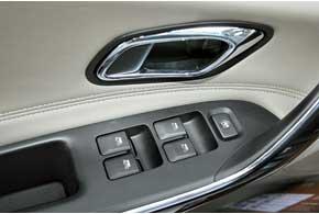 В новой машине все четыре электрических стеклоподъемника оснащены автоматическим режимом работы.