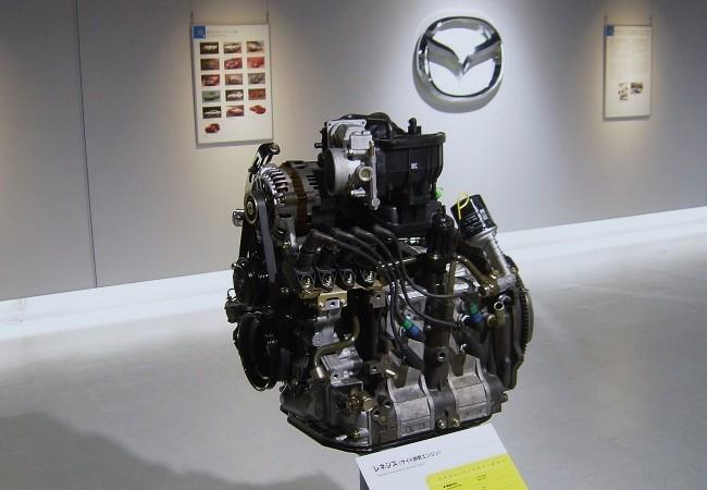 Роторный двигатель Mazda