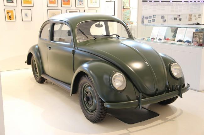 VW Type 1 Beetle (1947 год) - первые послевоенные жуки, спасшие Volkswagen от закрытия окупационными властями