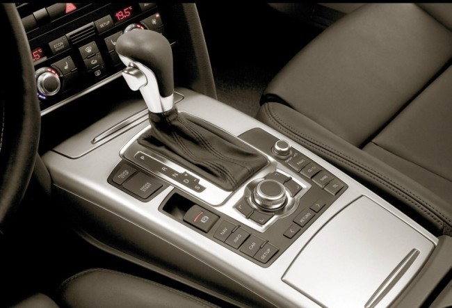 Современные автоматы дают широкие возможности в выборе режимов езды, включая возможность ручного переключения передач