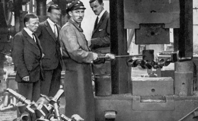 Уничтожение компонентов для авиадвигателей BMW IIIa из-за действия Версальского договора