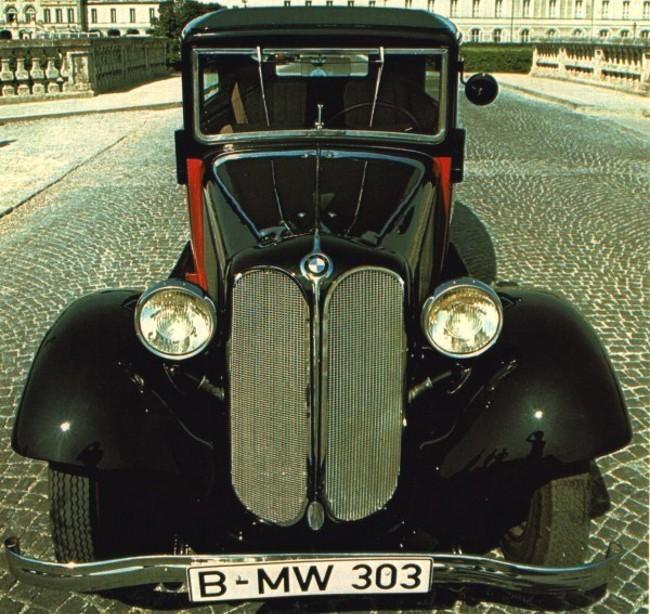 1933 год BMW 303