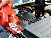 Автомобильный аккумулятор. Заряжаем правильно