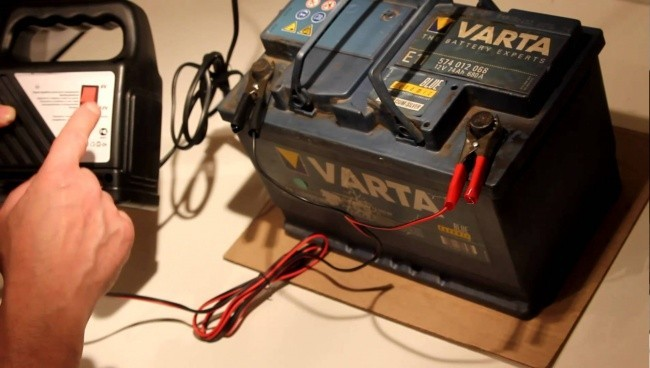 неправильно установили сигнализацию разряжается аккумулятор ситроен