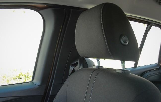 C места водителя широкие рамки дверей мешают обзорности