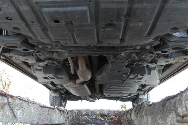 Toyota RAV4: выпирающих частей почти нет, но и гладкости нет