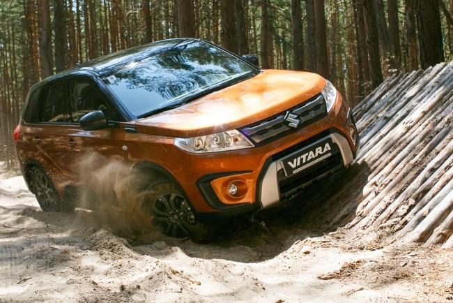 Suzuki Vitara не боится диагональных вывешиваний
