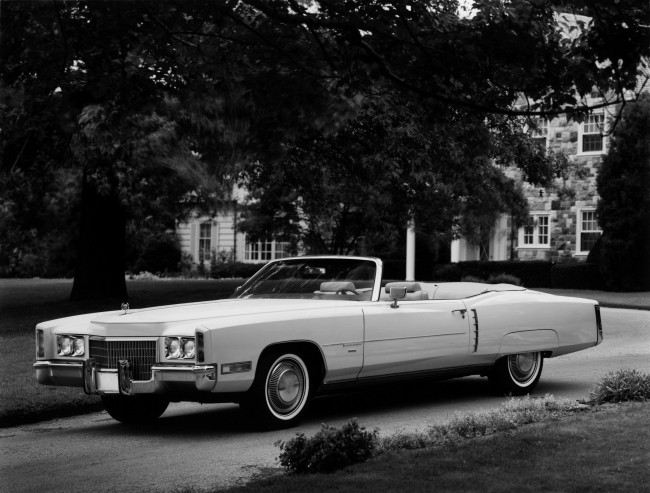 Cadillac Eldorado 1971 года с огромным 400-сильным мотором. Автомобиль не нравился Элвису, но купить его он считал своим долгом.