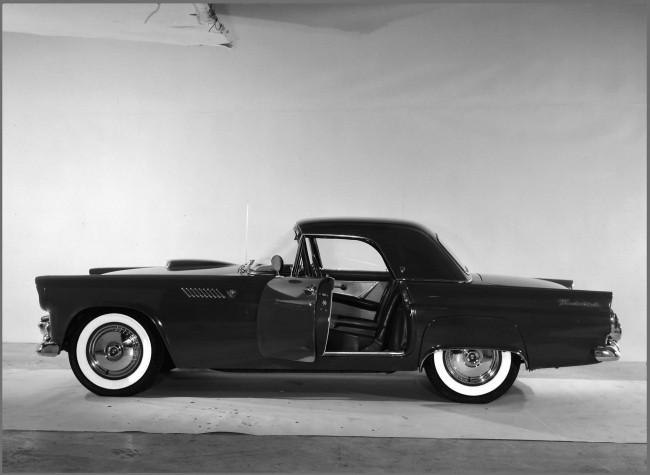 Ford Thunderbird – любимый автомобиль Монро
