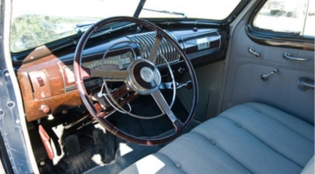 Включатель звукового сигнала в виде кольца на руле