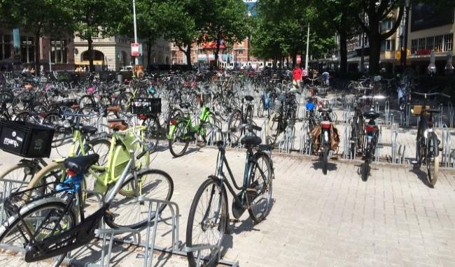 Велопарковка в Амстердаме