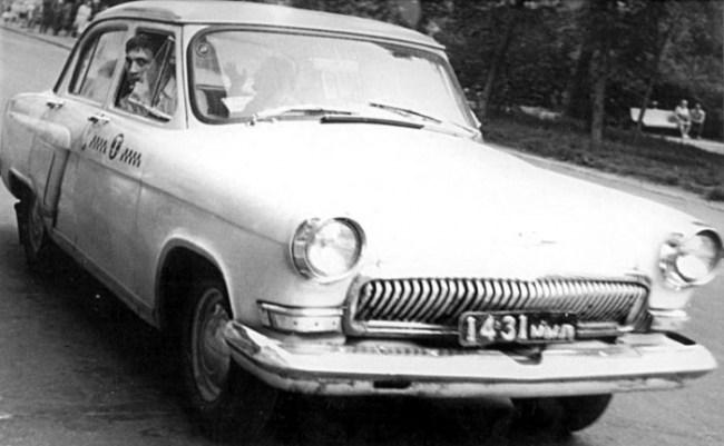 Автомобиль на котором учился ездить Высоцкий - Газ-21 «Волга»