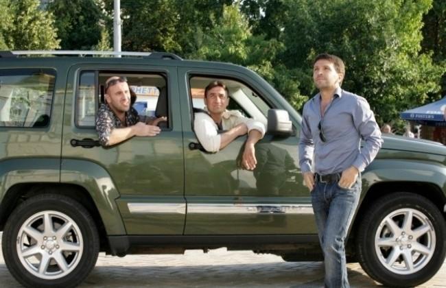 """Jeep Cherokee в фильме """"О чем говорят мужчины"""", 2010 год"""
