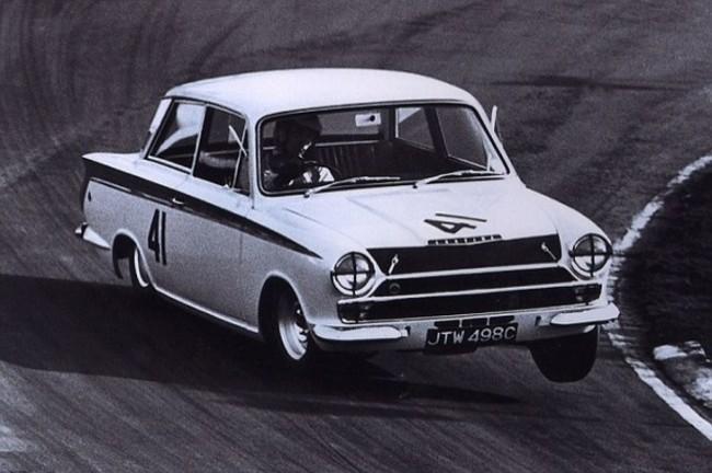 Джим Кларк за рулем Lotus Cortina