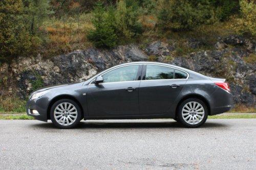 Opel insignia notchback