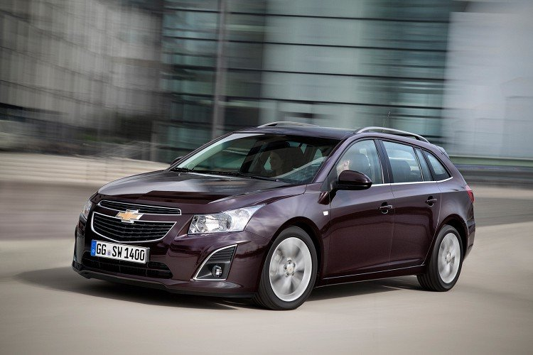 сравнение ford focus vs chevrolet cruze coupe