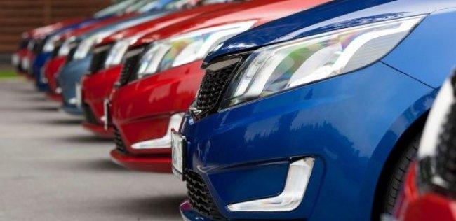 Импорт автомобилей в Украину сократился почти на четверть