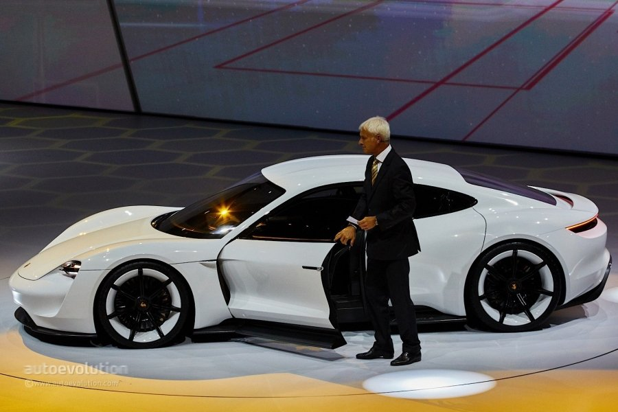 """automobile and traditional porsche customer essay Above are some of the tangible ways tesla has set itself apart from the competition, but there are a couple of """"intangible"""" strengths the company has developed as well."""