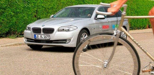 Bosch научил автомобили предугадывать действия пешеходов