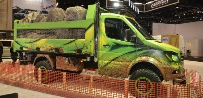«Мерседес» переделал Sprinter в экстремальный грузовик