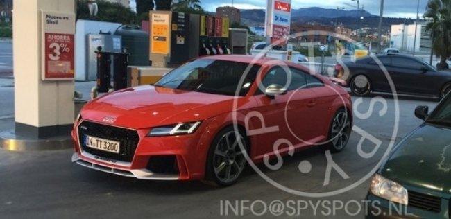 Самое мощное купе Audi TT засняли без камуфляжа