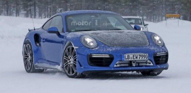 Фотошпионами пойман Porsche 911 GT2 RS с предполагаемой мощностью в 700 л.с.