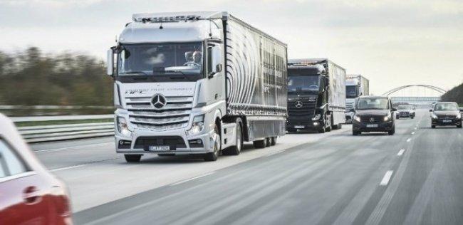 Беспилотники Mercedes-Benz проедут в колонне более 600 километров