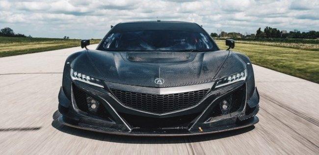 «Акура» показала суперкар NSX с карбоновым кузовом