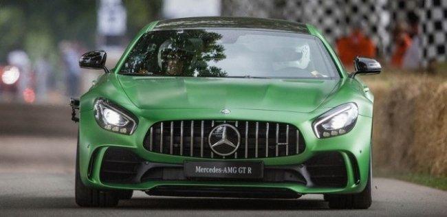 Mercedes-Benz анонсировал появление нового спорткара Mercedes-AMG GT R