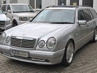 �� ������� ��������� Mercedes E55 AMG ������������ ��������