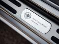 Rolls-Royce Wraith и Dawn получили эмблемы из белого золота - фото 6