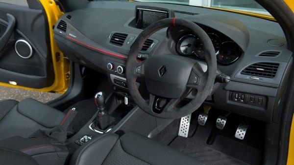 Заключительный образец нынешнего Рено Меган RS поставили на реализацию