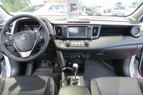 Свежий RAV4 Гибрид доступен для тест-драйва в Toyota ВиДи Эстакада