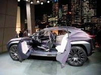Lexus �������� ���������� Audi Q2